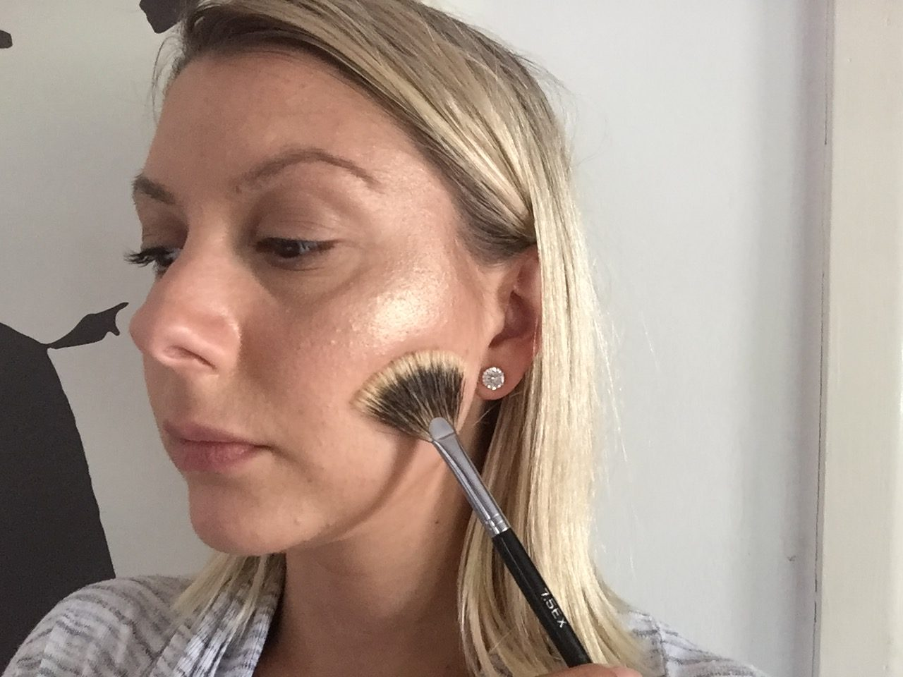 Shaz Saed -- Blonde Tea Party -- www.blonde-tea-party.com -- beauty and makeup tips -- makeup hacks--highlight--contour--